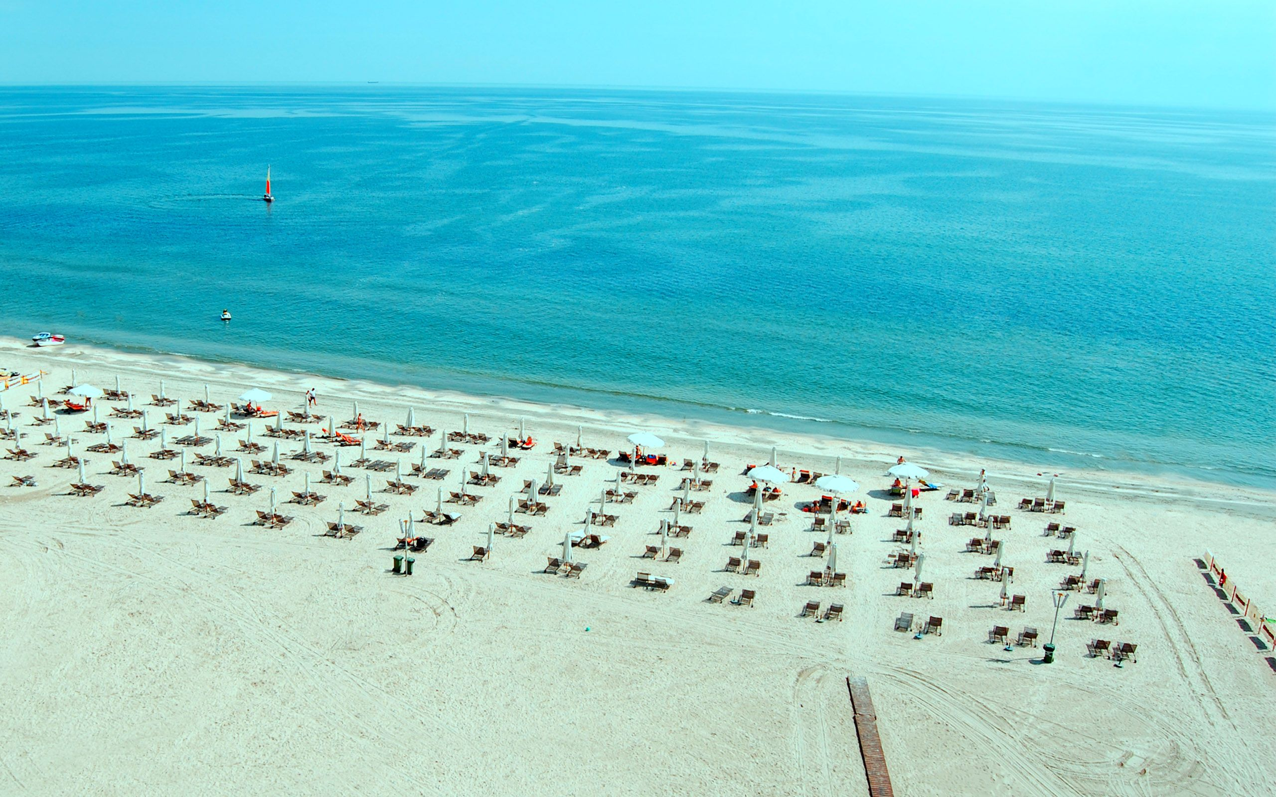 mamaia-beach-romania-wide